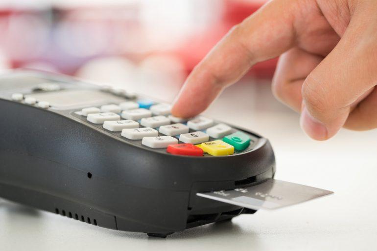 由custoemr使用的信用卡支付机器